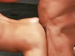 Musculosas dominantes, Musculosa dominante, Dominado gay, Anal domina