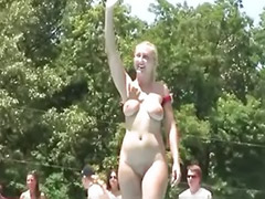 Public showing, Show offs, Shows off, Public slut, Public show, Sluts solo