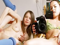 Two two girls, Two girl, Solo play, Camera
