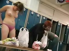 여자 소녀, 여자탈의실, 여자목욕탕