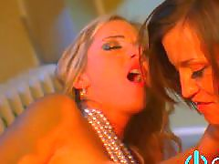 Lesbiennes threesomes, Lesbien boob