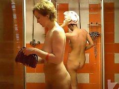 Voyeur, Shower