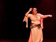 رقص ونيك, رقص د