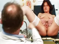 Visiting, Visiters, Womanizer toy, Masturbation mature pussy, Mature woman, Mature hairy pussy