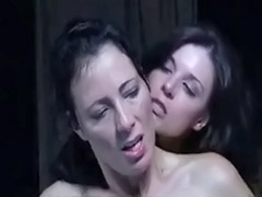 Sleepping, Tribbing t, Trib, Romantic lesbians, Romantic kiss, Romantic kissing