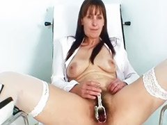 Matures poilue masturbation, Maman poilue