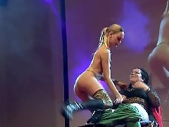Stage, Public stage amateur, Public blond, Plays with her, Play public, On stage