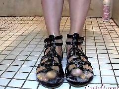 Showers,, Showers, Showering, Sandals, Lelu love, Foot foot love