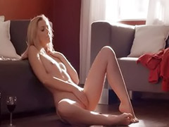 Unbelievable, Pussy posing, Solo posing, Solo girl posing