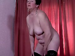 Mamaù, Mamaes, Mama amateur, Plays with her, Playing dildo, Matures dildo