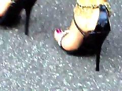 Pieds feet, Voisine