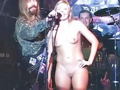 Public naked, Naked public, Fan