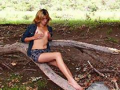 야외자위, 스트립 자위, 금발가슴, 고자위, 가슴 벗기기, 가슴자위