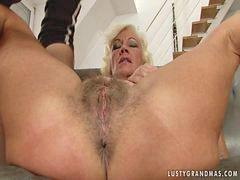 Granny anal, Anal granny
