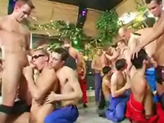 War sex, Party gay, تعؤرwar