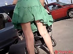 Upskirt, Flashing