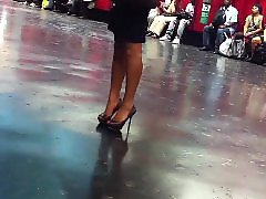 Voyeur upskirt, Upskirt voyeur, Voyeur legs, Leggings voyeur, Leggings, Beautifuls