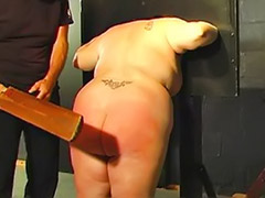 Pillory, Fat spanked